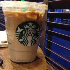 Photo taken at Starbucks by Vignesh S. on 3/30/2013