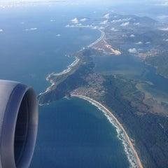 Photo taken at Aeroporto Internacional de Florianópolis / Hercílio Luz (FLN) by Erico V. on 1/22/2013