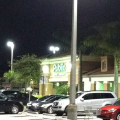 Photo taken at Publix by Lester S. on 7/11/2013