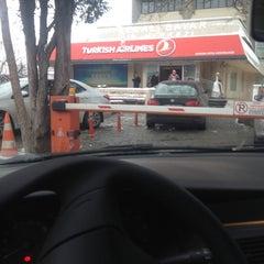 Photo taken at THY Satış Ofisi by UzUnn on 2/11/2015
