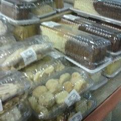Photo taken at Supermercado Guanabara Jardim Do Sol by Ronan d. on 10/6/2012