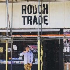 Das Foto wurde bei Rough Trade Records (West) von Sazz am 6/4/2015 aufgenommen