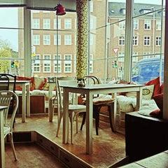 Photo taken at Café Resonanz by Victoria B. on 11/9/2012