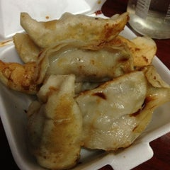 Photo taken at Prosperity Dumpling by Anne L. on 2/16/2013