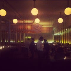 Photo taken at Kutsher's Tribeca by Eva R. on 1/13/2013
