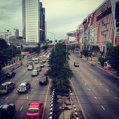 Photo taken at ถนนแจ้งวัฒนะ (Chaeng Watthana Road) by Pandarin J. on 7/16/2015