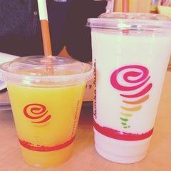 Photo taken at Jamba Juice by Linna on 12/30/2012