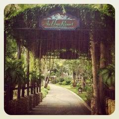 Photo taken at Ao Prao Resort (อ่าวพร้าว รีสอร์ท) by Jub W. on 11/17/2012