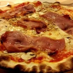 Photo taken at Pizzeria Alba by Massimo Z. on 11/9/2013