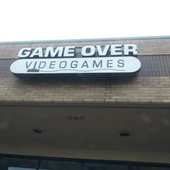 Photo taken at Game Over Videogames by Enrique E. on 1/14/2013