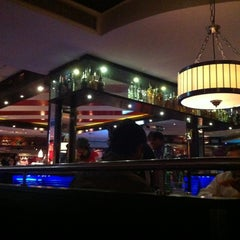 Photo taken at TGI Friday's by Danny J. on 12/7/2012