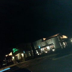 Photo taken at Olive Garden by Jay B. on 12/5/2012