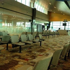 Photo taken at Gate C19 by Teuku I. on 5/18/2014