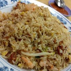 Photo taken at Kok Sen Restaurant by Hoe K. on 11/8/2012