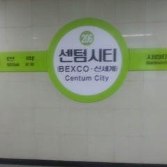 Photo taken at 센텀시티역 (Centum City Stn.) by 서만조 010-5543-2277 뉴. on 9/18/2014