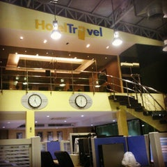 Photo taken at HotelTravel.com by Viraj S. on 4/23/2014