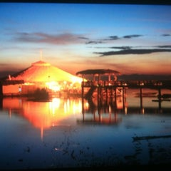 Photo taken at Lantaw Native Floating Restaurant by Noel d. on 11/2/2012