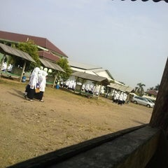 Photo taken at Pondok Pesantren Daar El Qolam by fikri f. on 11/5/2013