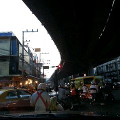 Photo taken at แยกลำสาลี (Lam Sali Intersection) by Tha T. on 5/22/2013