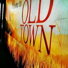 Photo taken at OldTown White Coffee by Fazeerul A. on 3/25/2012
