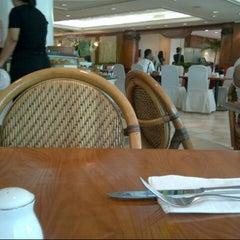 Photo taken at Restoran Fiesta by Rio R. on 9/22/2012