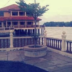 Photo taken at Kuala Gula Sanctuary Resort by Farizol Z. on 12/22/2012