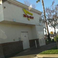 Photo taken at In-N-Out Burger by Natalie T. on 1/3/2013