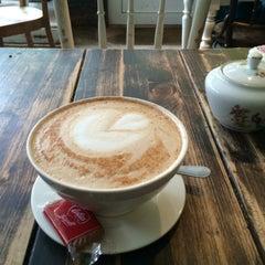 Photo taken at Café Resonanz by iPau_ on 10/28/2015