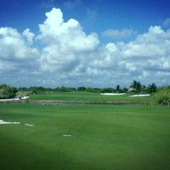 Photo taken at Campo de Golf Playacar by Juan T. on 5/17/2013