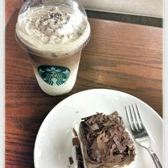Photo taken at Starbucks by chocodyssey on 3/5/2013