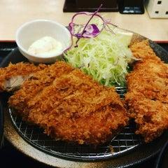 Photo taken at 松乃家 中野店 by Dingo l. on 10/15/2015