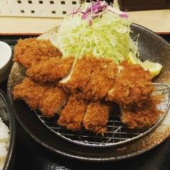 Photo taken at 松乃家 中野店 by Dingo l. on 10/10/2015