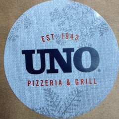 Photo taken at Uno Pizzeria & Grill - Frederick by Kate S. on 11/29/2013