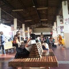 Photo taken at สถานีขนส่งผู้โดยสารจังหวัดลําปาง (Lampang Bus Terminal) by Benjamin B. on 12/3/2012