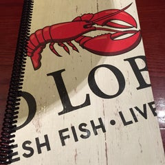 Photo taken at Red Lobster by Melissa W. on 12/15/2014