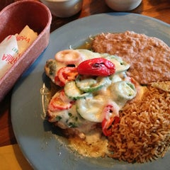 Photo taken at Lupe Tortilla - Houston Heights by Khoa P. on 1/31/2013