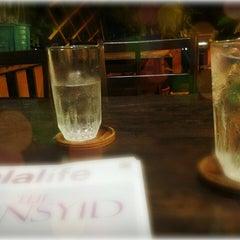 Photo taken at ร้านอาหารบังฝรั่ง (Bang Farang Restaurant) by Tull H. on 8/23/2013
