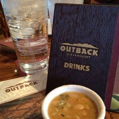 Photo taken at Outback Steakhouse by Magdalena R. on 3/28/2013