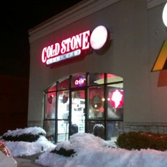 Photo taken at Cold Stone Creamery by Edwin M. on 2/10/2013