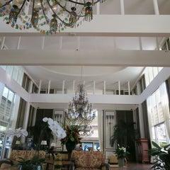 Photo taken at The Kahala Hotel & Resort by くの on 1/11/2015