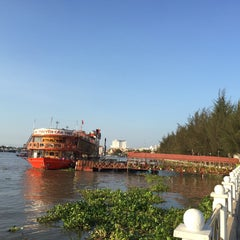 Photo taken at Bến Ninh Kiều by Huynh B. on 4/7/2015