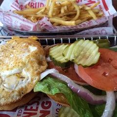 Photo taken at Smashburger by Tan T. on 9/14/2014