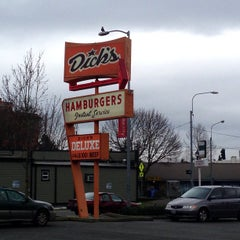 Photo taken at Dick's Drive-In by Dale T. on 2/9/2013