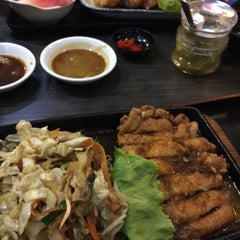 Photo taken at Hana Japanese Restaurant by Margareth V. on 2/27/2015