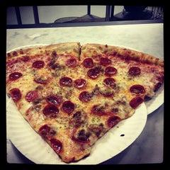 Photo taken at Pizza Sola by Dwayne T. on 10/19/2012