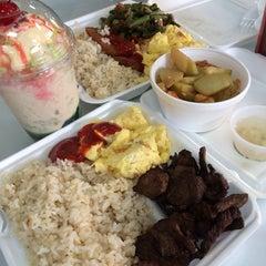 Photo taken at Felynn Oriental Restaurant by Glenn F. on 3/1/2014