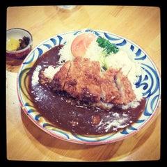 Photo taken at にいむら 大久保店 しゃぶしゃぶ とんかつ by goto on 9/3/2013