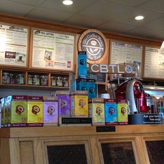 Photo taken at The Coffee Bean & Tea Leaf® by Brian S. on 2/17/2013