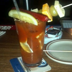 Photo taken at Pub 72 Bar and Grill by Jennifer P. on 10/28/2012