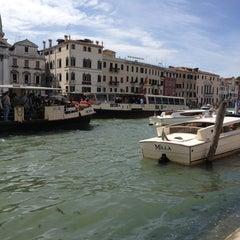 Photo taken at Venezia by Camila A. on 5/23/2013